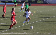 First league game of the season for girls' varsity soccer ends in defeat, 2-1