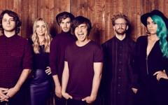 Sheppard's 'Geronimo' goes off with a bang
