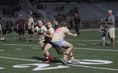 Sophomores, juniors start Homecoming week with powder puff wins