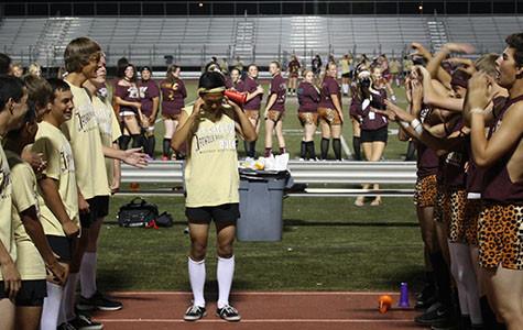 Seniors, freshmen pull victory in flag football powder puff games