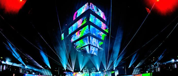 Muse rehearses for a concert in London. Photo by Hans-Peter Van Velthoven. Photo from Official Muse website, used with permission under fair use.