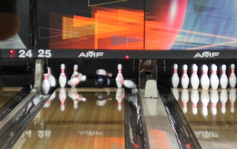 Competitive bowling brings new meaning to high school students
