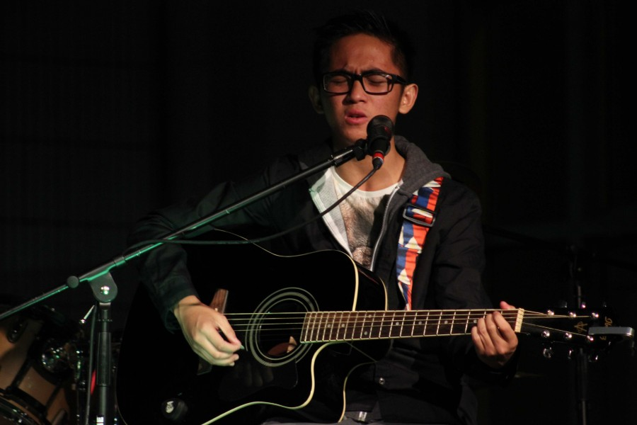 Maximo Esguerra preforms Riptide by Vance Joy. Photo by Sierra Young