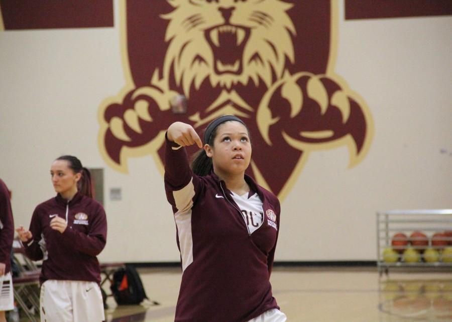 Freshman takes on girls' varsity basketball