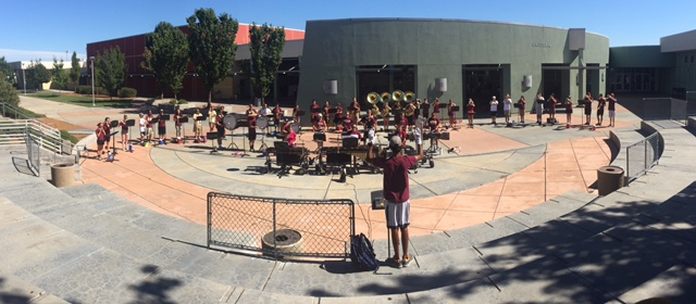 On+Aug.+14%2C+marching+band+rehearses+at+band+camp+for+their+first+recital.+Photo+by+Rachel+Marquardt+