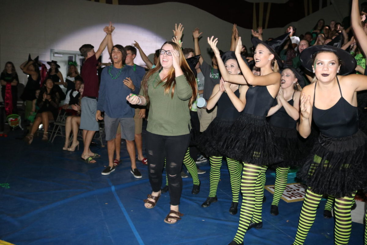 """With the last game of the rally, Morgan Jackson wins the trivia of """"Wizard of Oz."""""""