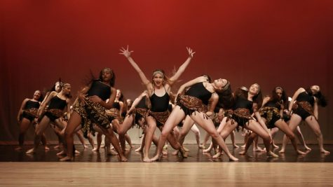 "IN THE MIDDLE OF IT ALL - ""Circle of Life"" choreographed by Halley Crandell. Photo by Paulina Solorzano"
