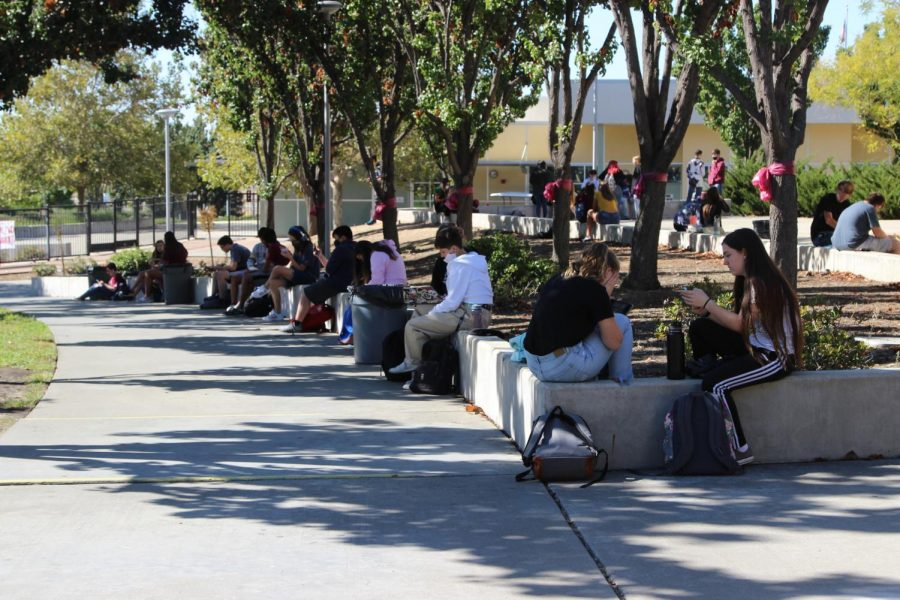 On Oct.12 during the second lunch, group A students spread out around campus can take a break before their next class. Photo by:Trinity Barker